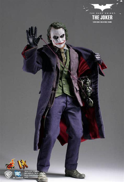 hot toys joker figure